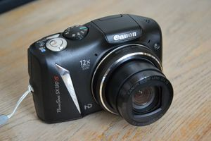 Canon powershot sx 130 is for Sale in Paradise Valley, AZ