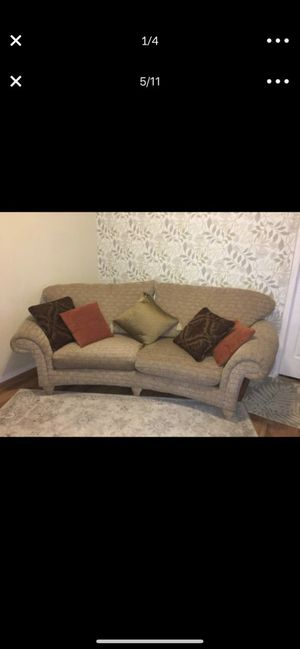 Luxury sofa excellent condition delivery available with fee for Sale in Lakewood, WA