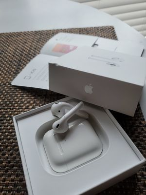 Apple airpods 2 wireless charging for Sale in Starkville, MS