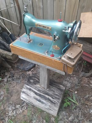 Vintage sewing machine for Sale in Murfreesboro, TN