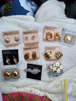 Vintage Jewelry Gold and Silver Earrings, Pins,Clips. 14kgold posts and mixed for Sale in Delhi, CA