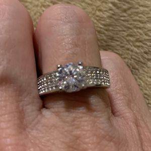 New CZ 2 kt sterling silver 925 wedding ring size 7 for Sale in Inverness, IL