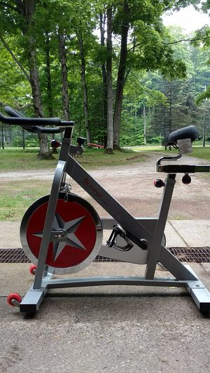 Sunny Health & Fitness Pro Indoor Cycling Bike SF-B901 for Sale in Gaylord, MI
