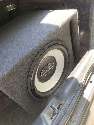 Pioneer radio with amp and box. Complete sound system for Sale in Highland, CA