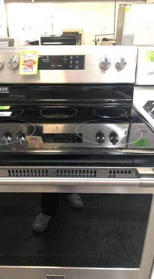 Maytag stove (ELECTRIC) 7 96 for Sale in Dallas, TX