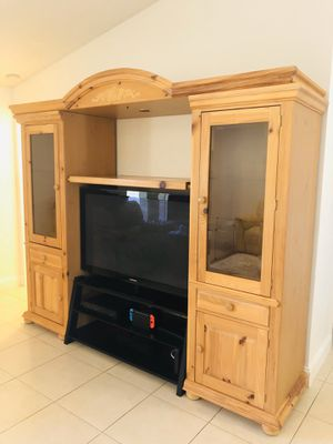 4 Piece entertainment center with TV stand for Sale in FL, US