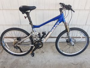 Giant mountain bike for Sale in La Mesa, CA