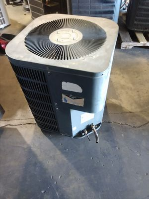 Goodman 3 ton r22 condenser 208v air conditioner for Sale in Los Angeles, CA
