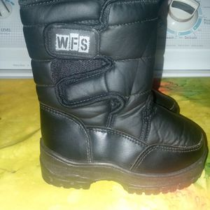 Toddler Snow Boots for Sale in Riverside, CA