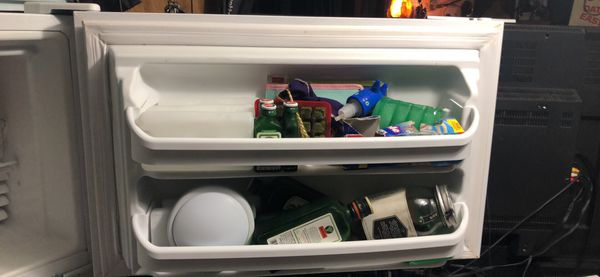 """""""MUST SELL THIS WEEKEND """"KENMORE WHITE REFRIGERATOR"""