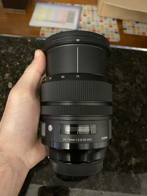 Sigma 24-70mm f/2.8 ART series for Sale in Los Angeles, CA