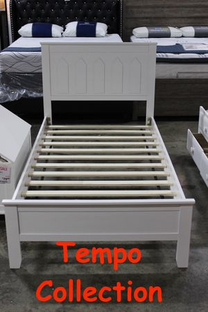 NEW IN THE BOX. TWIN WOOD PLATFORM BED, WHITE, SKU# TC7582-WH for Sale in Garden Grove, CA