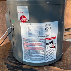 Electric Water Heater Never Used for Sale in Bakersfield, CA