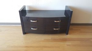 TV stand/dresser for Sale in Atlanta, GA