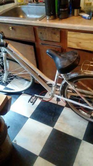 Schwinn Wayfarer 7-speed woman's bike Road three times been sitting in basement 125 for Sale in Obetz, OH
