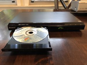 Sony ultra slim DVD and CD player no remote for Sale in Long Beach, CA