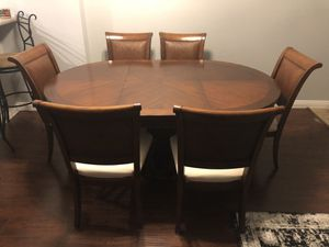 Round Solid Wood Table with Leaf and 6 Chairs for Sale in Rancho Santa Margarita, CA