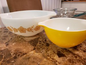 5 Mix & Match Pyrex Dishes for Sale in Woodbridge, VA