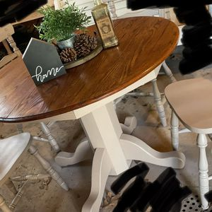 Pedestal Dining Table for Sale in Burlington, NC