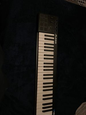 Alesis keyboard for Sale in Bedford Park, IL