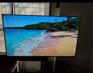 """Samsung 65"""" inch 8 series for Sale in Greenville, SC"""
