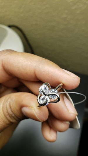 Its beautiful ring for women for Sale in Oliver, WI