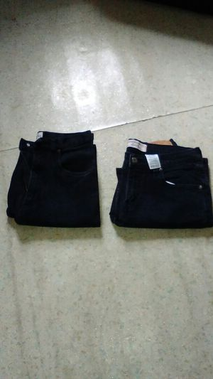 Ladies jeans size 8 for Sale in Cleveland, OH