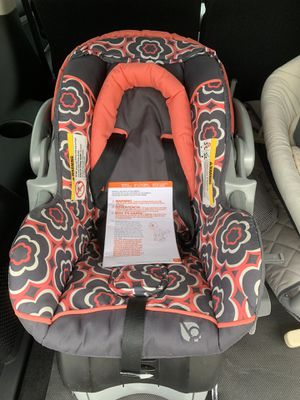 Car seat and base for Sale in Lawrence, PA