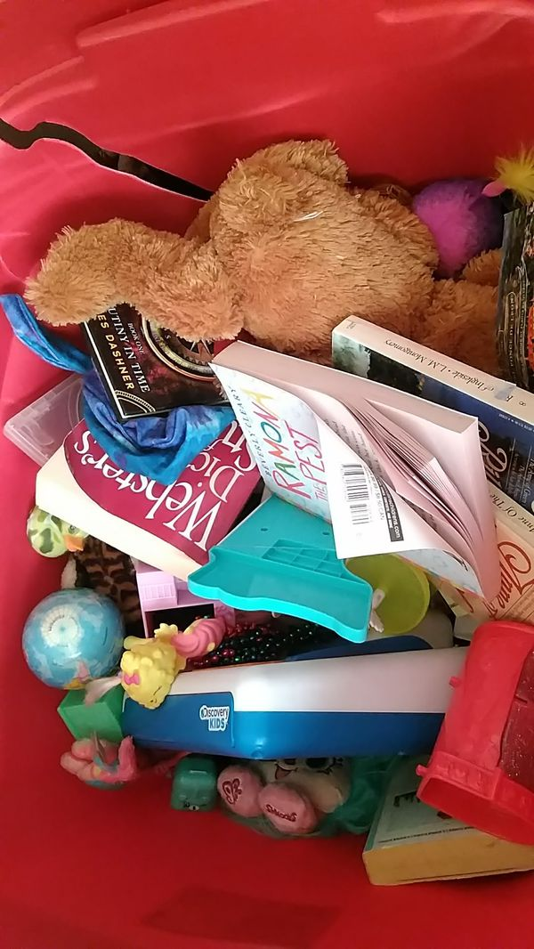 Tote of girl toys(Shopkins books etc)