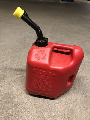 2 gallon gas can for Sale in Charlotte, NC