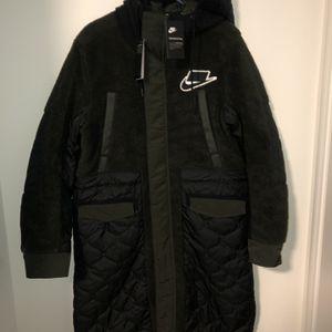 Nike Mens Small Sportswear Syn Fill Sherpa Parka Black Sequoia Coat BV4797-010 for Sale in Victorville, CA