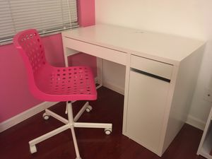 Ikea desk and chair for Sale in Fort Lauderdale, FL