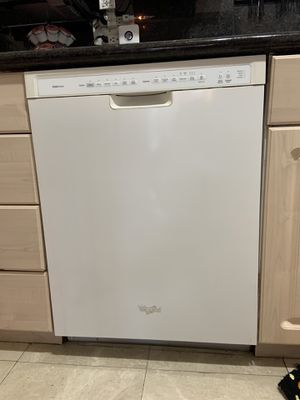 Whirlpool dishwasher top of the line myself getting new appliances never used it but maybe 10 times for Sale in Hallandale Beach, FL