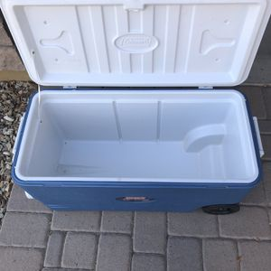100 Quart Rolling Coleman Extreme Cooler for Sale in Goodyear, AZ