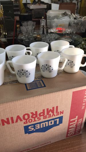 Pyrex BlueberrySummer 8 cup coffee cup set for Sale in St. Louis, MO