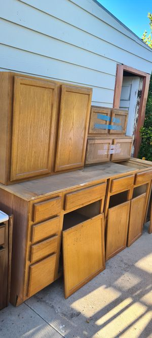 Kitchen cabinets for Sale in Colton, CA
