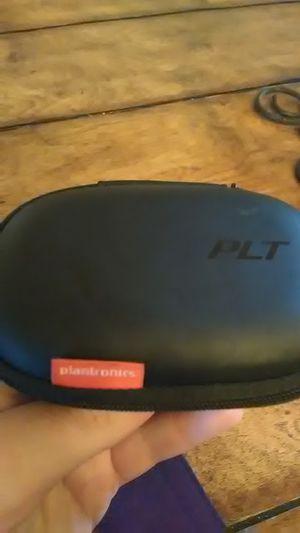 Plantronics wireless headphones for Sale in New York, NY