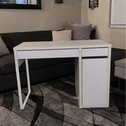 Personal Desk for Sale in Commerce,  CA