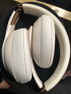 Beats wireless studio 3 & solo 3 for Sale in Philadelphia, PA