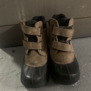 Kids Ran / all weather boots for Sale in Anaheim, CA