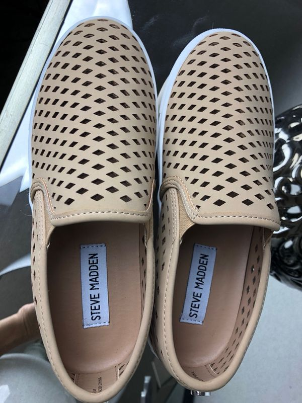 39f7fc19cbe Steve Madden Zeena Slip-On Sneaker Size 5.5 for Sale in Tolleson