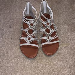 Daisy Fuentes Sandals Beige Size 11wmns for Sale in Waco,  TX