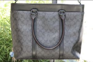 Coach leather tote bag NWOT for Sale in Modesto, CA