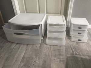 Plastic storage containers (with drawers) for Sale in Riverside, CA