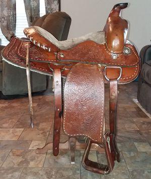 "15"" western saddle for Sale in Brooksville, FL"
