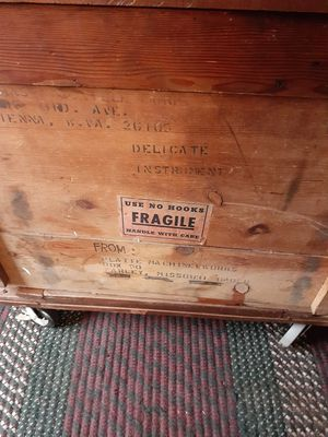 1960,s manville crate for Sale in Vienna, WV