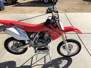 2015 HONDA CRF 150 R $2800.00 for Sale in Pearblossom, CA