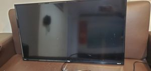TCL Smart Roku tv with wall mount for Sale in Springfield, VA