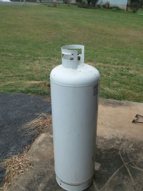 100 lb propane tank (empty)