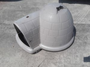 Dog igloo for Sale in Mont Belvieu, TX